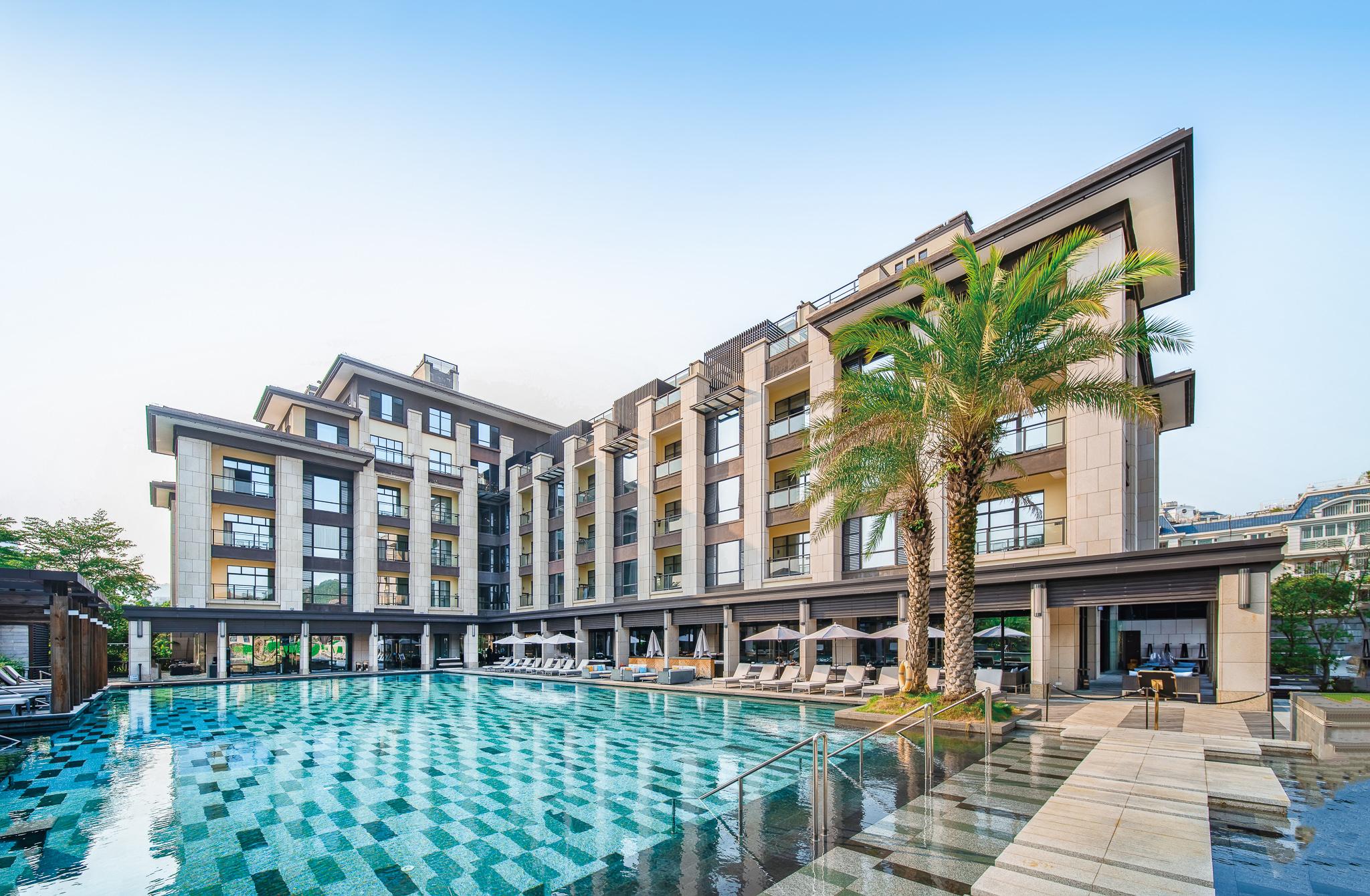 Hotel & Resort Villas